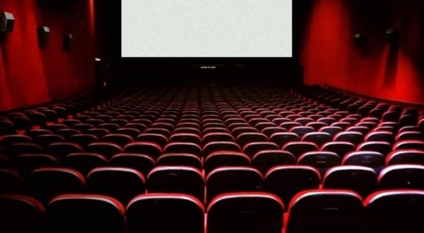 Coronavirus, box office nel baratro prima della chiusura delle sale: - 95% rispetto al 2019