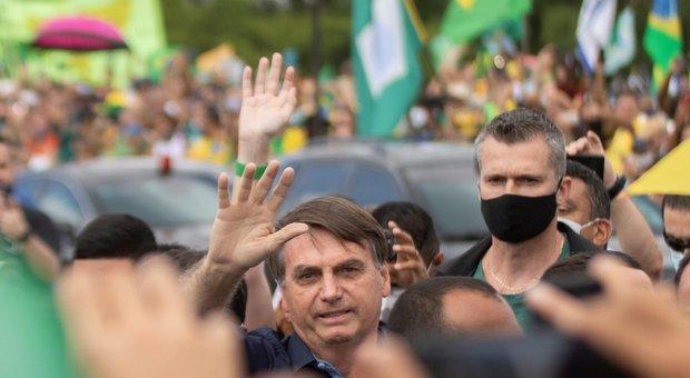 Covid, polveriera Brasile. In America Latina: 31.000 casi e 1.600 morti in un giorno