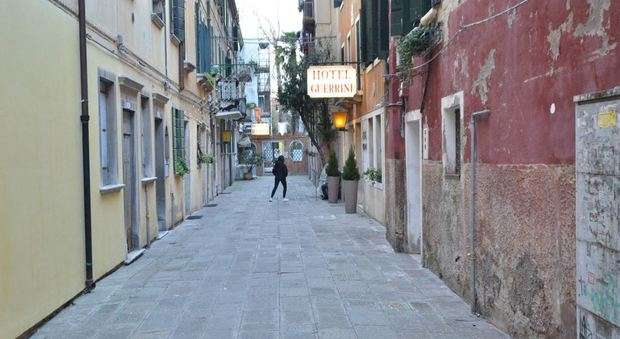 Una calle veneziana