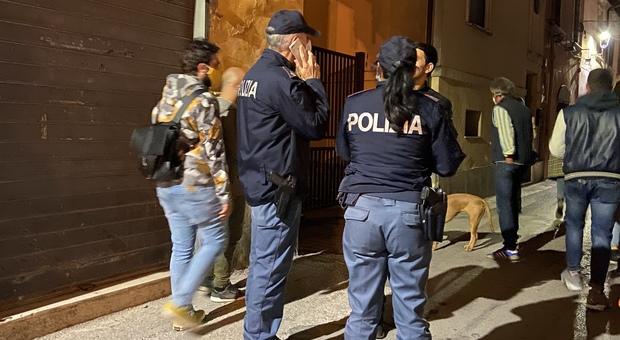 Controlli della Polizia sabato scorso (foto Riccardo Fabi/Meloccaro)