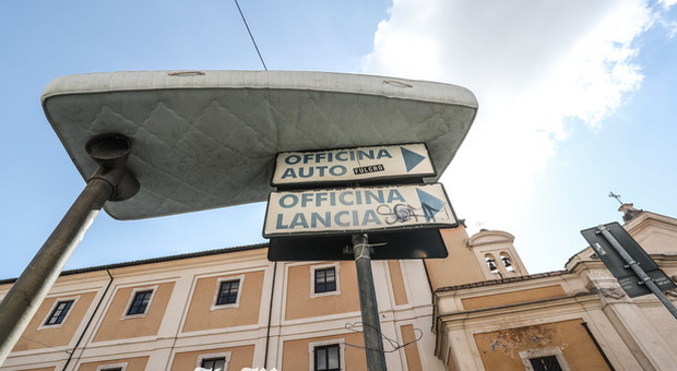 Linea Notte Materassi Roma.Roma I Rifiuti Ora Spuntano In Cielo Deturpata La Cartolina Con