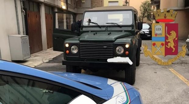 Treviso. Ruba un Land Rover, sperona la polizia e tenta la fuga a piedi