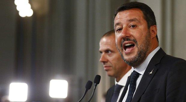 Governo, Salvini: «Italiani ostaggio di 100 cacciatori di poltrone»