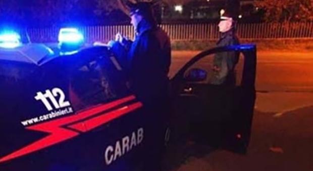 Porto San Giorgio, esplode la rissa fuori dal locale: calci e pugni tra ragazzi, in quattro al pronto soccorso