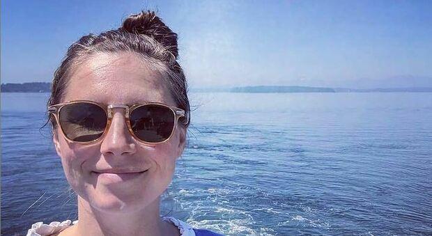 Amanda Knox è incinta, l'annuncio arriva dopo la notizia dell'aborto: «Mi è successo qualcosa in Italia?»