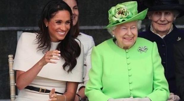 Meghan e Harry, la Regina Elisabetta dà il via libera: «Ok alla loro nuova vita»