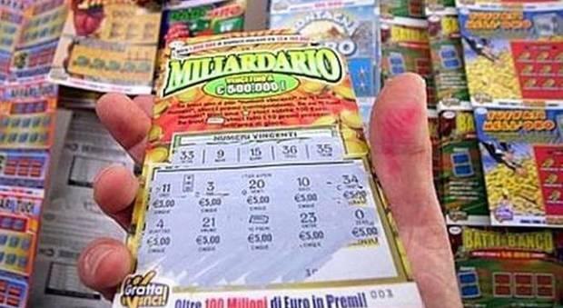Gioca al Gratta e Vinci Miliardario Maxi e vince 5 milioni di euro
