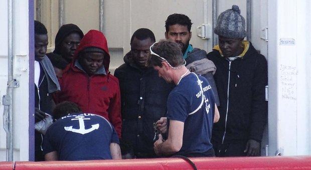 Motovedette e radar: accordo con la Libia per fermare i migranti