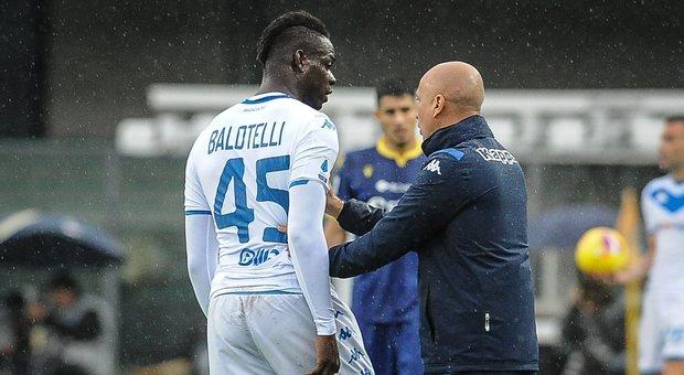 Balotelli, procura Figc: «Erano 20 a fare buu, il resto della curva applaudiva Mario»