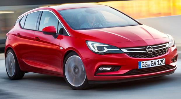 Opel Astra ha vinto con 309 voti, al secondo posto Volvo XC90 con 294 voti e al terzo Mazda MX5 con 202