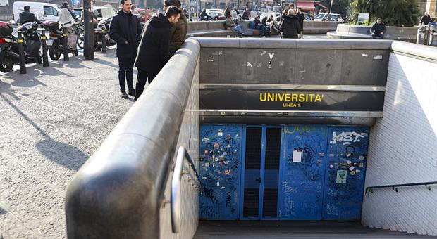 Tenta violenza sessuale a Napoli in metropolitana: arrestato un 27enne africano
