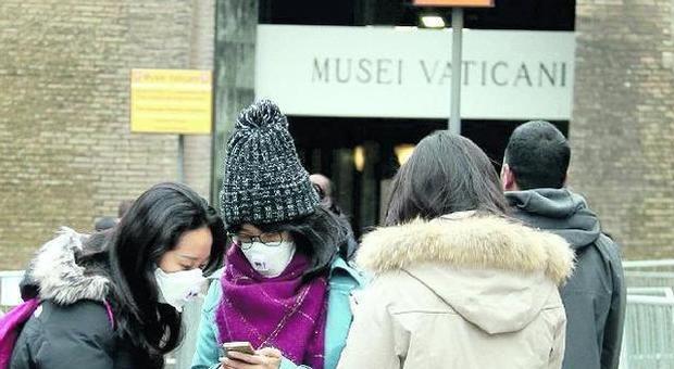 Coronavirus, a Roma il piano non c'è: fai-da-te nelle scuole e all'Atac