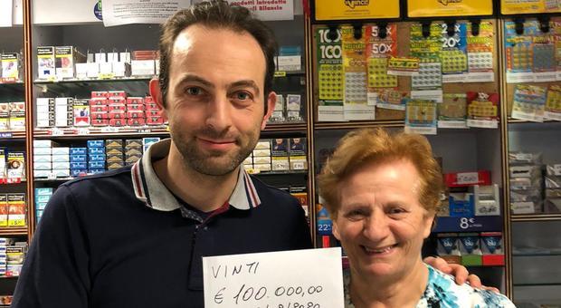 10 e Lotto, pensionato gioca 3 euro e ne vince centomila
