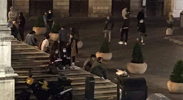 Gente in piazza dei Signori (da facebook InCivilis Padova)