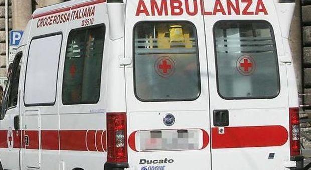 Bologna, il pronipote di Romano Prodi muore a 18 anni: in bici si è scontrato con un'auto