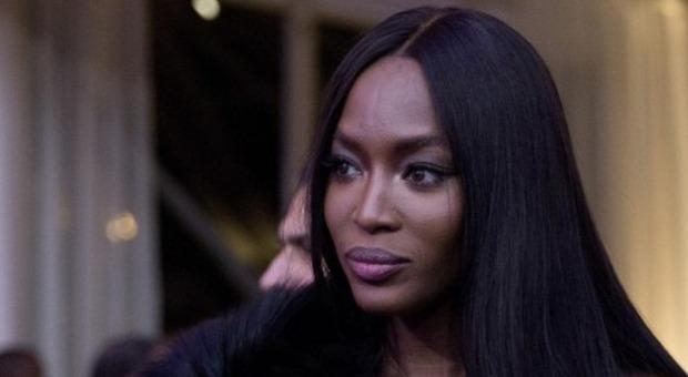 Naomi Campbell respinta in un hotel perché nera: «È stato rivoltante»