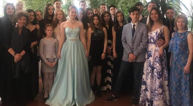 Gli studenti del Rosatelli si sono recati in una villa per frequentare una master class di ballo tipico, accompagnati dai loro coetanei russi