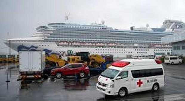 Coronavirus, negativo test sull'italiano. Diamond Princess, sbarcano in 500