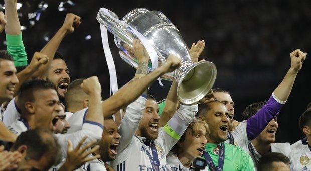 Riforma Champions: 4 gironi da 8, stop retrocessioni a stagione in corso