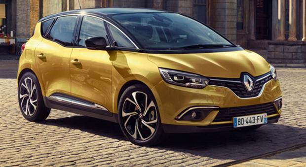 Renault Scenic si ripropone in una veste completamente rinnovata e in sintonia con il cambiamento - di cui è testimone anche l'ultimo Espace - che ha visto la trasformazione del concetto di monovolume in crossover