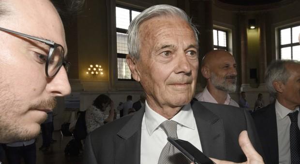 Gigi Simoni, come sta l'ex allenatore dell'Inter. La moglie: «Speranze? Ne abbiamo sempre»