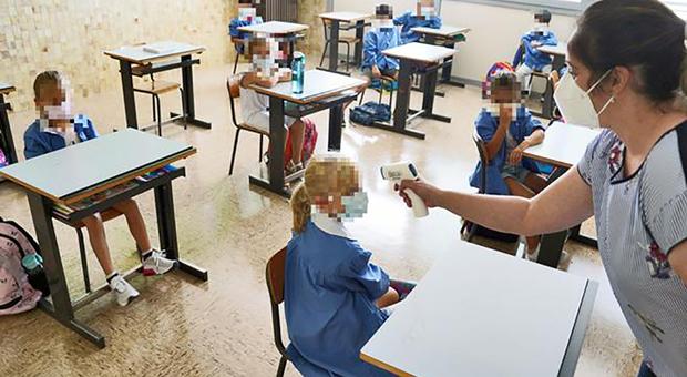 Disinfettante per le mani ritirato dalle scuole: provoca mal di testa, irritazione a occhi e gola, e dermatiti