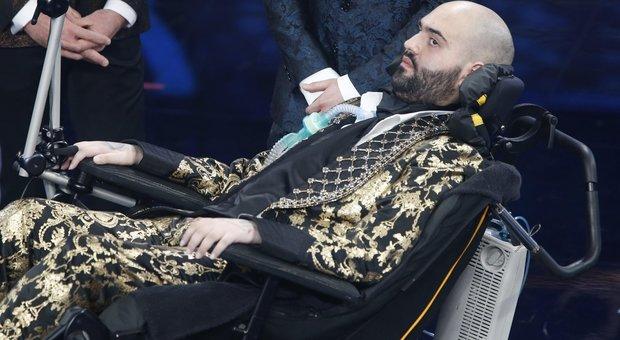 Paolo Palumbo, malato di Sla, commuove a Sanremo. Il discorso: «I limiti sono solo dentro di noi»