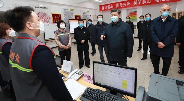 Coronavirus, parte il volo per riportare Niccolò in Italia. Xi con la mascherina: «Situazione grave»