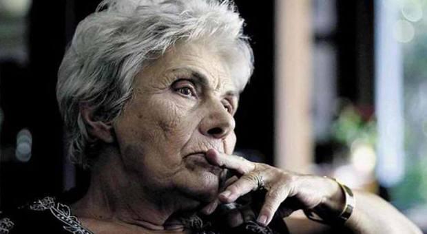 È morta Kiki Dimoula, la più grande poetessa greca contemporanea