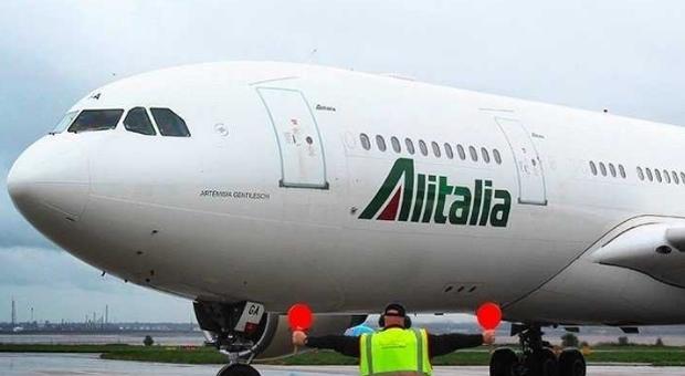 Coronavirus, alle Mauritius fermo aereo con 300 italiani a bordo: lombardi e veneti non sbarcano