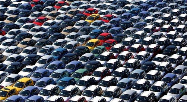 Auto, cresce la domanda mondiale: in ultimi 10 anni +35%. Incremento ha superato i 28 mln di veicoli