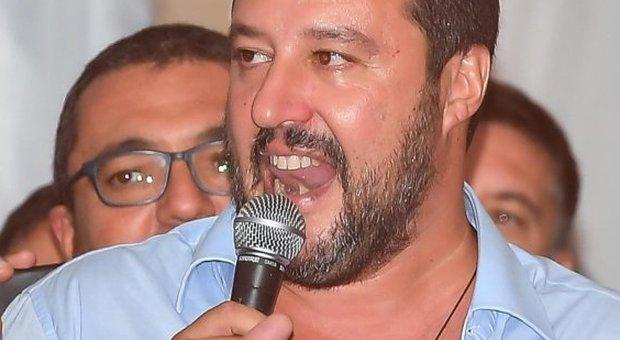 Sindaco Riace arrestato, Salvini: che dicono buonisti che vogliono Italia piena di immigrati?