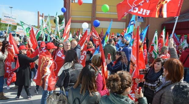 In attesa dell'incontro, sospeso lo sciopero fissato per domani del Deposito XPO di Osimo