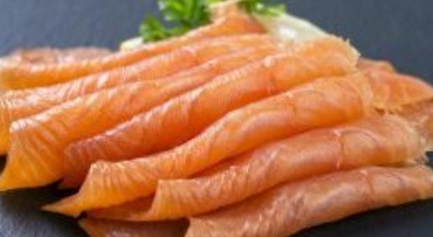 Salmone affumicato, allarme listeria: quattro morti per il batterio killer