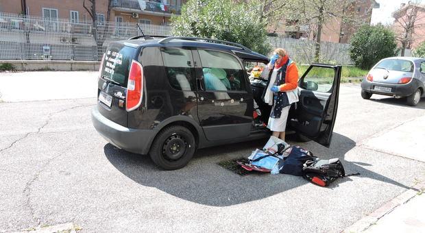 Turista belga rimasta bloccata in Italia! Da un mese viveva in auto.