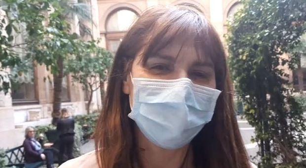 Coronavirus, la deputata Baldini alla Camera con la mascherina: «Scelta che consiglio a tutti»