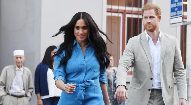 Harry e Meghan, Famiglia Reale «ferita» dalla decisione della coppia: non l'avevano detto a nessuno