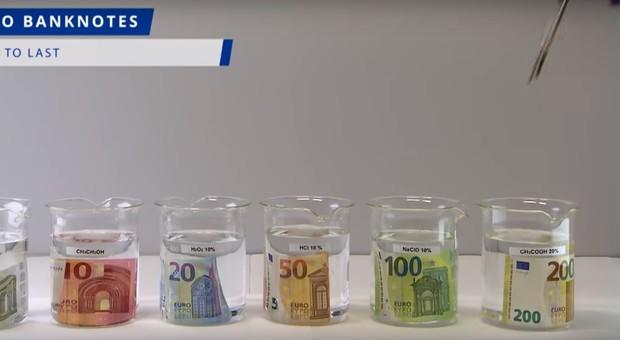 100 e 200 euro, da oggi in circolazione le nuove banconote: «Indistruttibili, resistono a tutto»