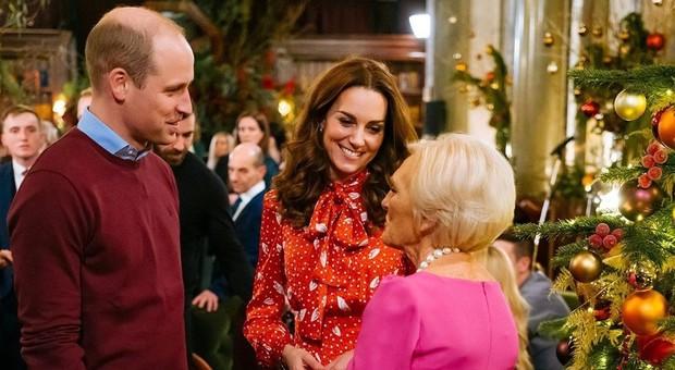 Kate Middleton rivela: «Da ragazza facevo la cameriera, ma ero davvero pessima»