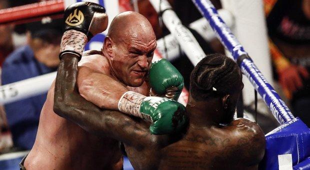 Tyson Fury mette all'angolo Deontay Wilder