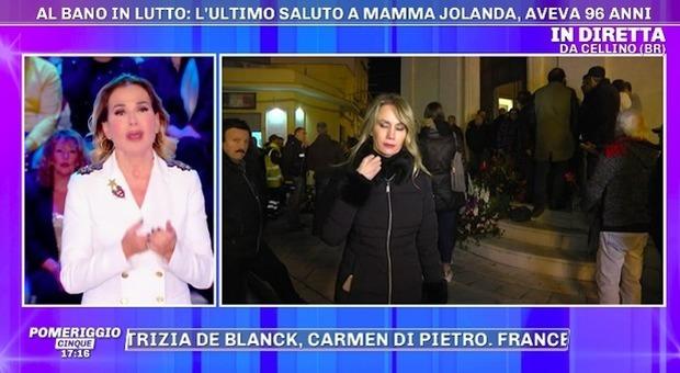 Al Bano, funerali di mamma Jolanda: Barbara D'Urso rimprovera in diretta la sua inviata: scoppia la polemica