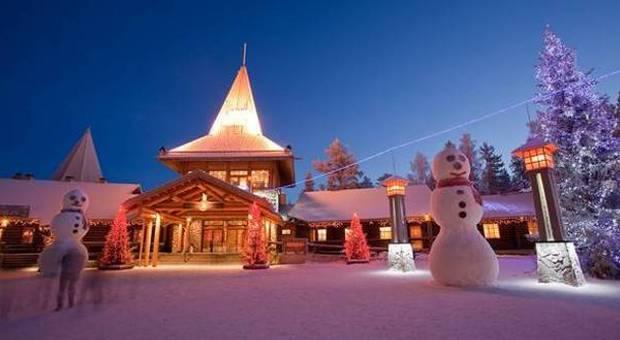 Il Paese Di Babbo Natale Lapponia.Finlandia Nel Villaggio Di Babbo Natale In Viaggio Al Santa Claus Village Di Rovaniemi