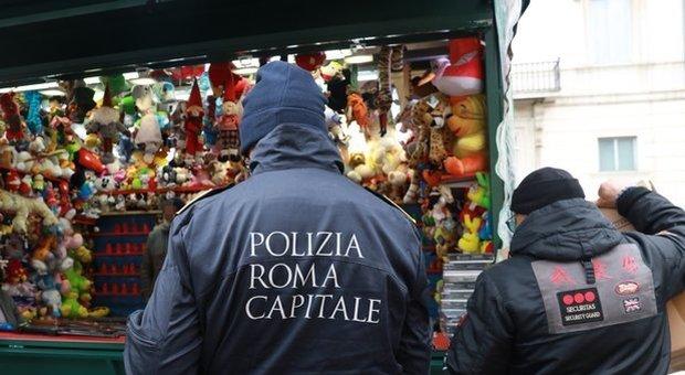 Piazza Navona, sequestrati i banchi del mercatino di Natale. «Violate le norme di sicurezza»