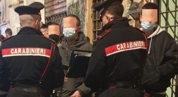Roma, allarme assembramenti: chiuso bar cinese e fermate 47 persone al Parco degli Acquedotti