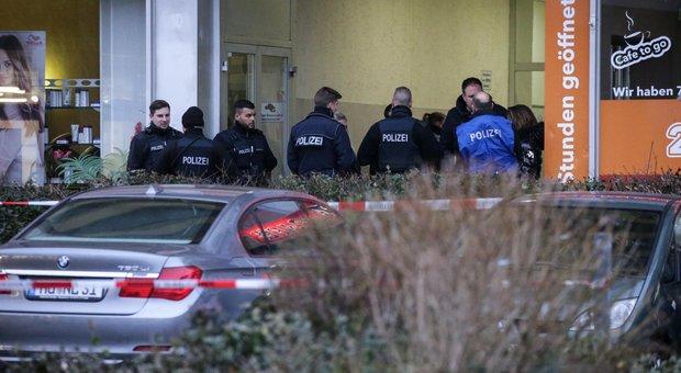 Sparatorie in Germania ad Hanau, 8 morti e 5 feriti in due assalti a bar