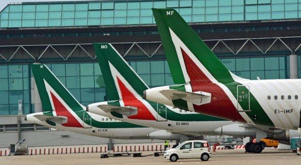 Tagli per Alitalia, via otto aerei con mille esuberi