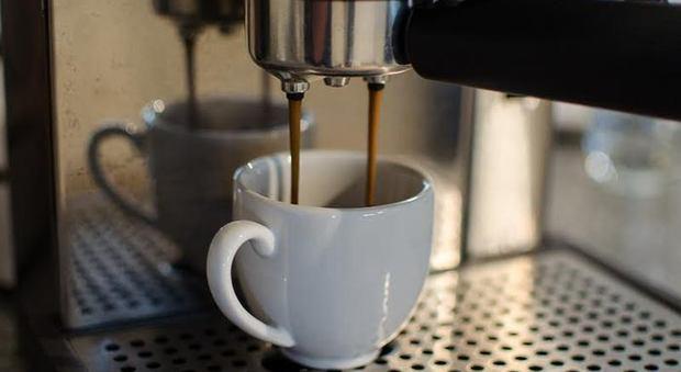 L'allarme: troppa caffeina per metà degli adolescenti, ragazze a rischio