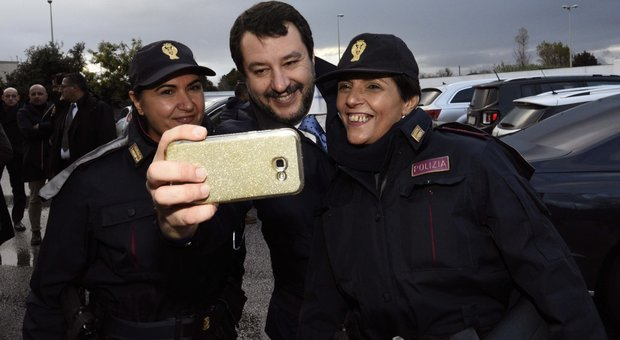 Gli incontri segreti di Salvini con i ribelli M5S: «Altri in arrivo, punto a destabilizzare»