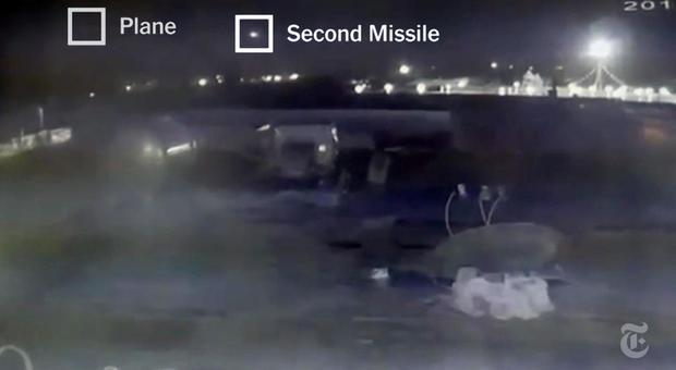 Aereo caduto in Iran, il Nyt: «Colpito da due missili». Primi arresti
