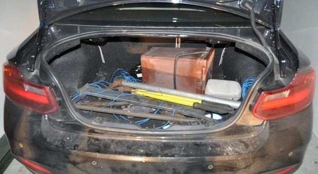 Ecco il kit della banda che faceva esplodere i bancomat in metà Nordest